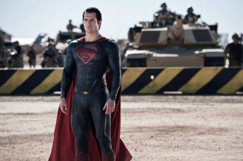 Man-of-Steel-Superman-Henry-Cavill-2013