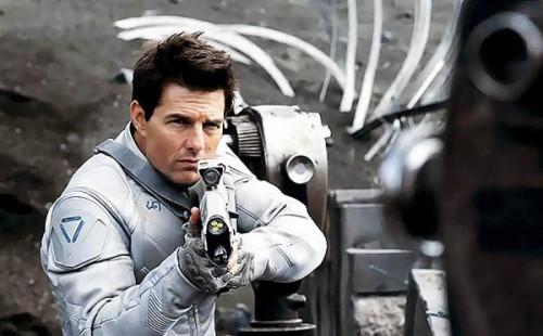 Tom-Cruise-Oblivion-2013